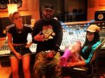 Miley Cyrus y Nicki Minaj se juntan para grabar tema - Noticias de mike will made it