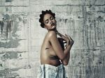 Rihanna hizo topless para revista de música - Noticias de paul mccartney